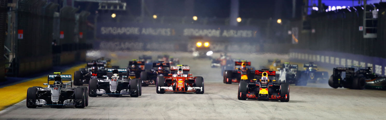 1.singapore-f1-paddock-club