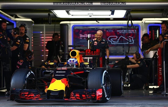 2.testing-f1-hospitality-red-bull-racing