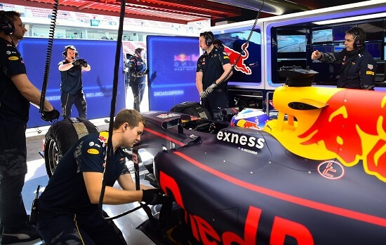 4.testing-f1-hospitality-red-bull-racing